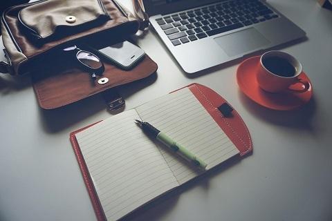 Skriv nyhedsbreve og få tag i dine læsere. Få hjælp til det af Anita Cordes